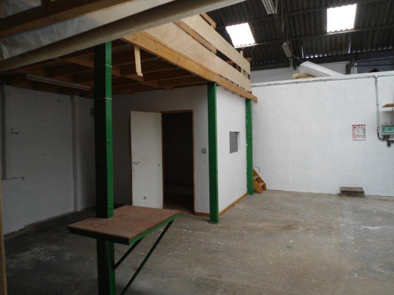 Garage parking louer saint nazaire cabinet olivier for Bureau plus trignac